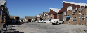 TO LET - INDUSTRIAL WAREHOUSE - MONTAGUE GARDENS - NO MG01